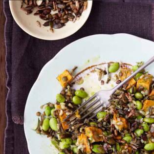 Rezept von Natasha Corrett & Vicki Edgson: Salat aus Puy-Linsen, Vollkornreis und Süßkartoffeln