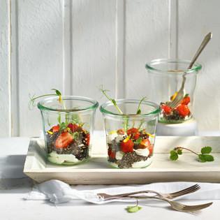 Rezept von Paul Ivic: Quinoasalat mit Erdbeeren und Ziegenfrischkäse