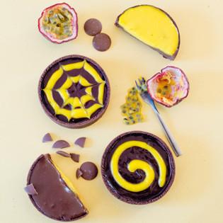 Rezept von Aurélie Bastian: Passionsfrucht-Schokoladen-Tartelettes