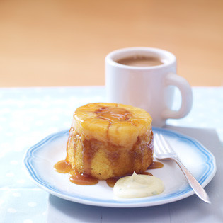 Rezept von Caroline Bretherton & Elena Rosemond-Hoerr: Pineapple Upside-Down Cake