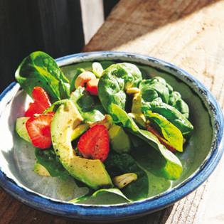rezept von hugh fearnley whittingstall spinat avocado erdbeer salat valentinas. Black Bedroom Furniture Sets. Home Design Ideas