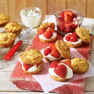Rezept von Caroline Bretherton & Elena Rosemond-Hoerr: Strawberry Shortcakes