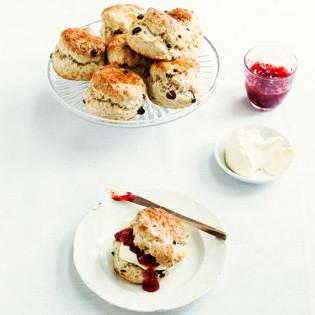 Rezept von Jane Hornby: Fruchtige Vanillescones