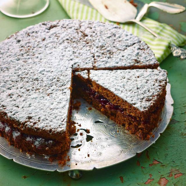 Rezept von Bernd Siefert: Südtiroler Buchweizenkuchen mit Preiselbeer-Konfitüre