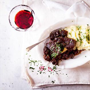 Aus Valentinas Küche:  Rinderschmortopf mit Backpflaumen