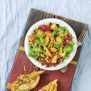 Rezept von Leo & Karl Wrenkh: Walnuss-Salat mit Apfel