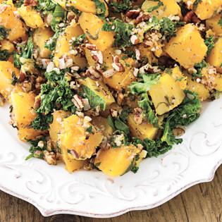 Rezept von Angela Liddon: Butternusskürbis mit Mandel-Pekan-Parmesan