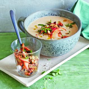 Rezept von Martina Kittler: Maronensuppe mit Äpfeln & Majoran-Nüssen