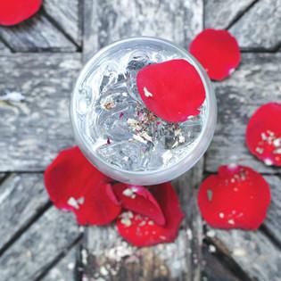 Rezept aus Quench: Rosen-Kardamom-Soda