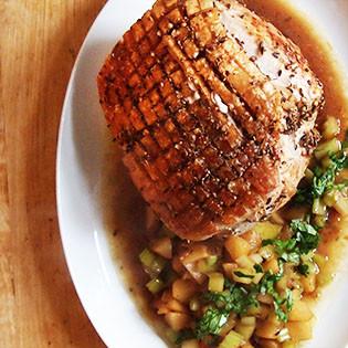 Gruß aus der Küche: Krustenbraten mit Birne & Sellerie