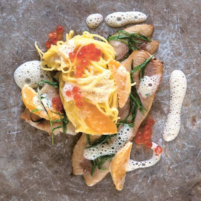 Rezept von Stevan Paul: Feine Nudeln mit Estragon-Butterforelle & Orangenrahm