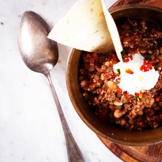 Rezept von Anna Jones: (Vegetarisches) Chili für Genießer