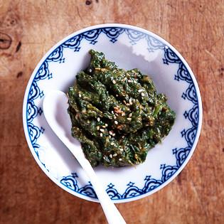 Rezept von Maori Murota: Spinat mit Sesamcreme