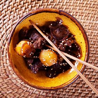 Rezept von Maori Murota: Kartoffeln und geschmortes Rindfleisch