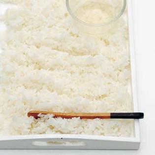 Rezept von Jody Vassallo & Emily Ezekiel: Sushireis zubereiten