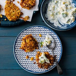 Rezept von Nicola Graimes: Kichererbsenpuffer mit Mango-Raita