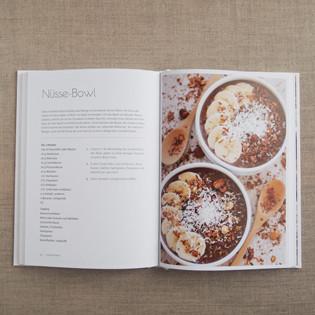 kochbuch-smoothie-bowls-eliq-maranik-inside-valentinas