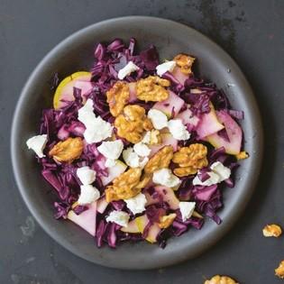 Rezept von Luisa Zeltner: Rotkohl-Birnen-Salat mit Ziegenkäse