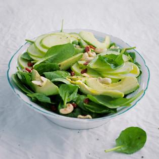 Rezept von Barbara Bonisolli: Spinatsalat mit Avocado und Apfel