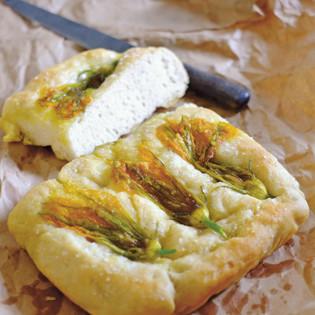 Rezept von Claudio Del Principe: Focaccia mit Zucchiniblüten