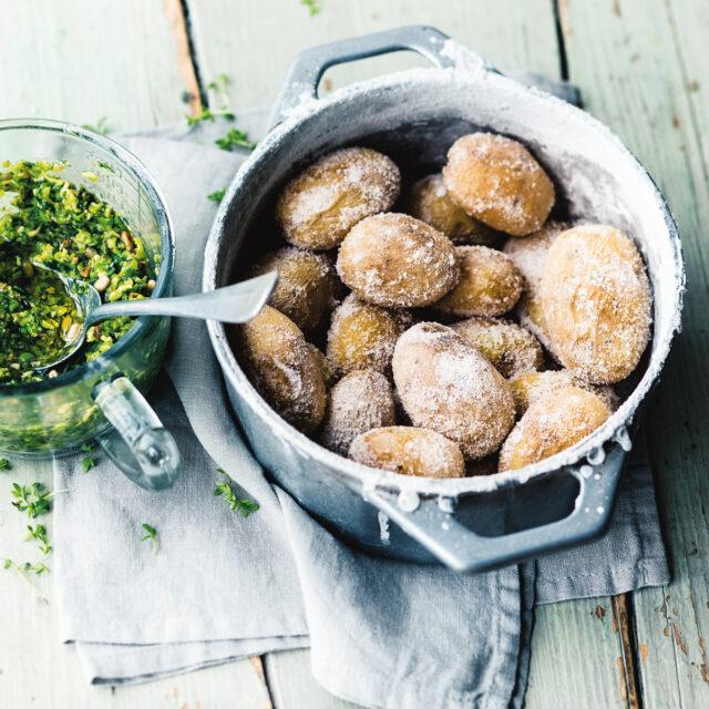 Rezept von Anne-Katrin Weber: Runzelkartoffeln mit Erbsenpesto