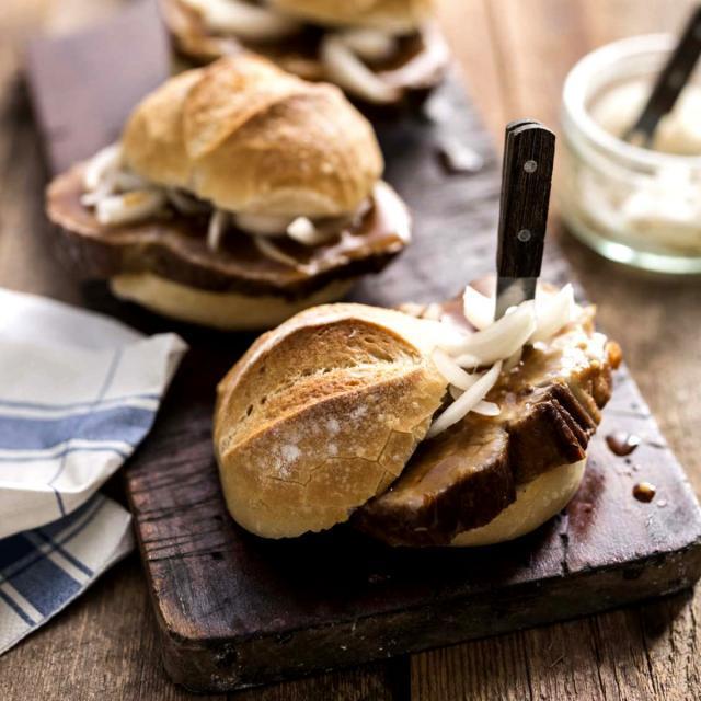 Rezept aus Street Food Homemade: Schweinebraten im Brötchen