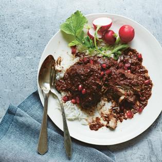 Rezept von Yasmin Khan: Hähnchen mit Walnüssen und Granatapfel