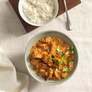 Rezept von Johanna Maier: Süßkartoffel-Curry mit Kokos-Erdnuss-Sauce