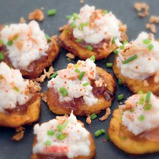 Rezept von Bart van Olphen: Kochbananen mit Krebsfleisch & Mangochutney