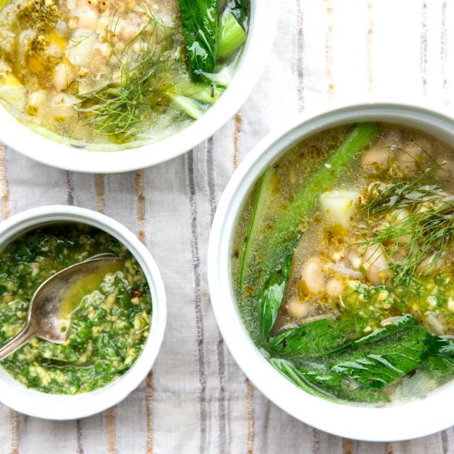 Rezept von Laura Agar Wilson: Frühlings-Minestrone & Pesto
