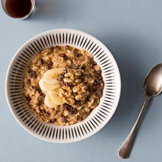 Rezept von Nik Williamson: Amarant-Kamut-Porridge mit Espresso, Walnuss & Kakao
