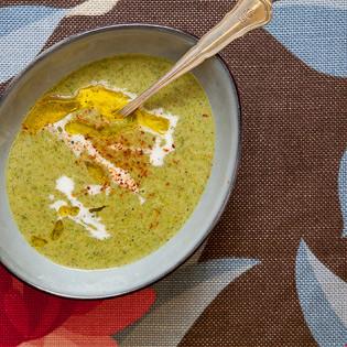 Rezept von Jeanine Donofrio: Brokkolicremesuppe