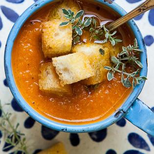 rezept von jeanine donofrio karotten paprika suppe mit cro tons valentinas. Black Bedroom Furniture Sets. Home Design Ideas