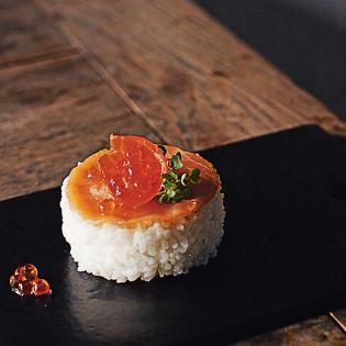 Rezept von Kimiko Barber: Gepresstes Sushi mit Räucherlachs