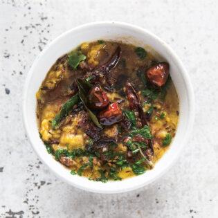 Rezept von Sumayya Usmani: Dal mit Mungobohnen