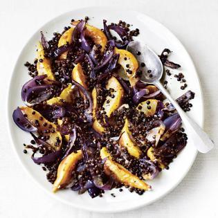 Rezept von Gill Meller: Gebratene Birnen mit Röstzwiebeln und Puy-Linsen