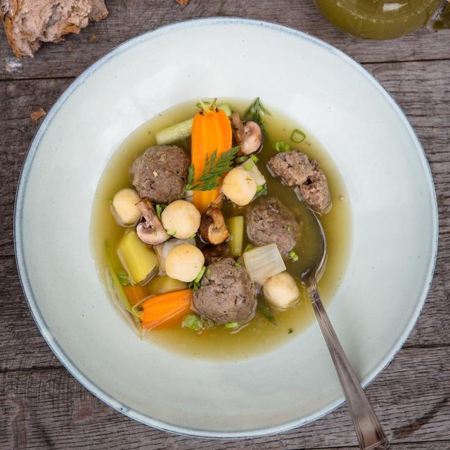 Rezept von Okka Rohd: Gemüsebrühe mit Klößchen