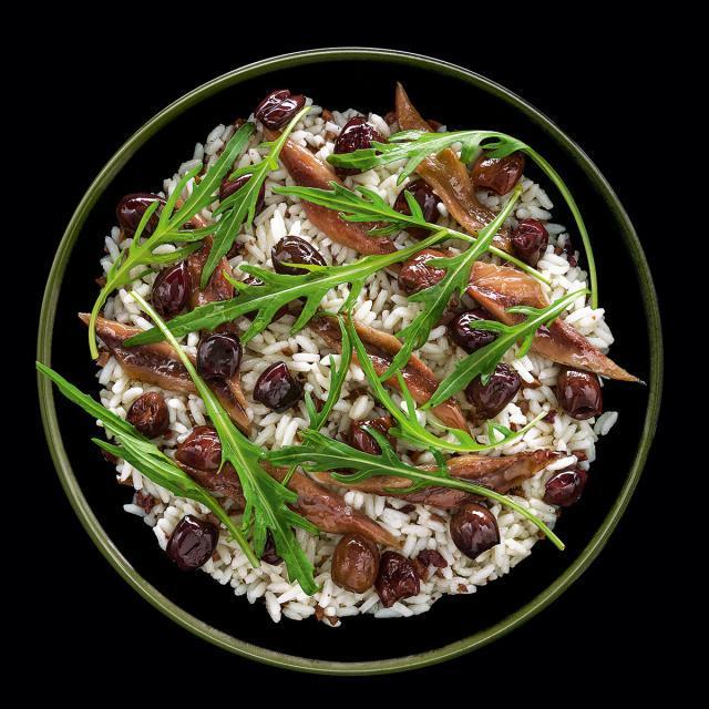 Rezept von Frédéric Anton & Christelle Brua: Reissalat mit Anchovis und Oliven
