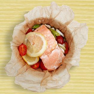 Rezept von Michael König: Lachs im Tomaten-Dill-Päckchen