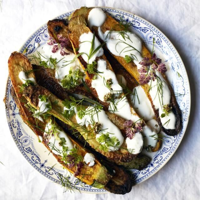 Rezept von Olia Hercules: Zucchini mit Knoblauch-Matsoni