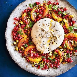 Rezept von Sabrina Ghayour: Burrata & Orangen mit Pistazien