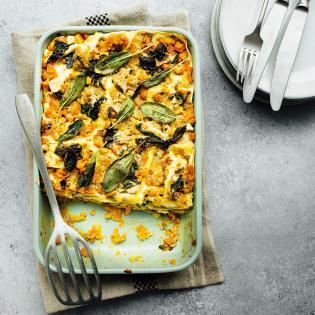 Rezept aus Eat like a woman: Kürbis-Mangold-Lasagne mit Salbei-Béchamel