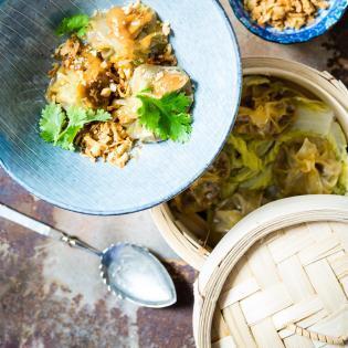 Rezept von Nicole Stich: Spicy Wantan Bowl mit Erdnusskick