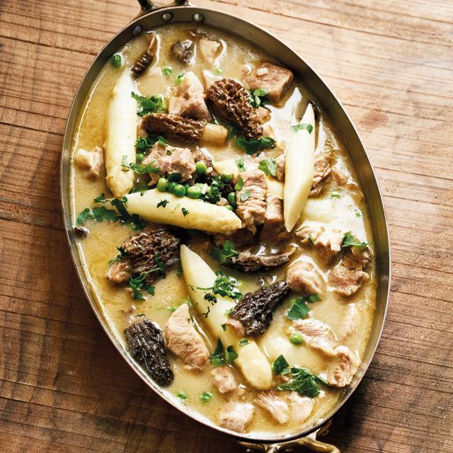 Rezept von Petra Hammerstein: Eingemachtes Kalbfleisch mit Spargel
