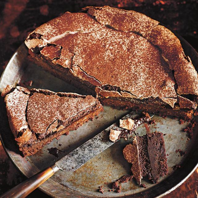 Rezept von Donna Hay: Schoko-Meringue-Kuchen