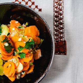 Rezept von Liv Fleischhacker & Lukas Grossmann: Scharfer israelischer Karottensalat