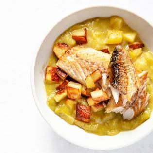 Rezept von Nigel Slater: Suppe mit Lauch, Kartoffeln und Makrele