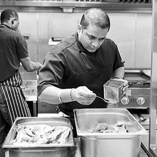 Kochbuchautor Nirmal Save