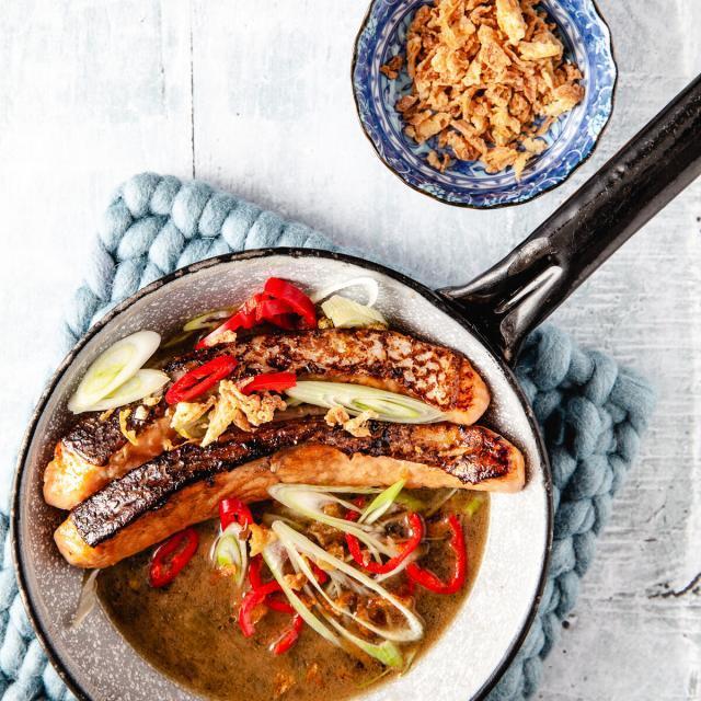 Rezept von Thuy Diem Pham: Glasierter Lachs mit grünem Pfeffer