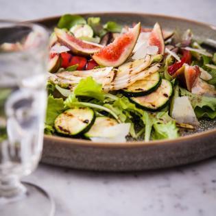 Rezept von Carlo Bernasconi & Myriam Lang: Salat mit frischen Feigen